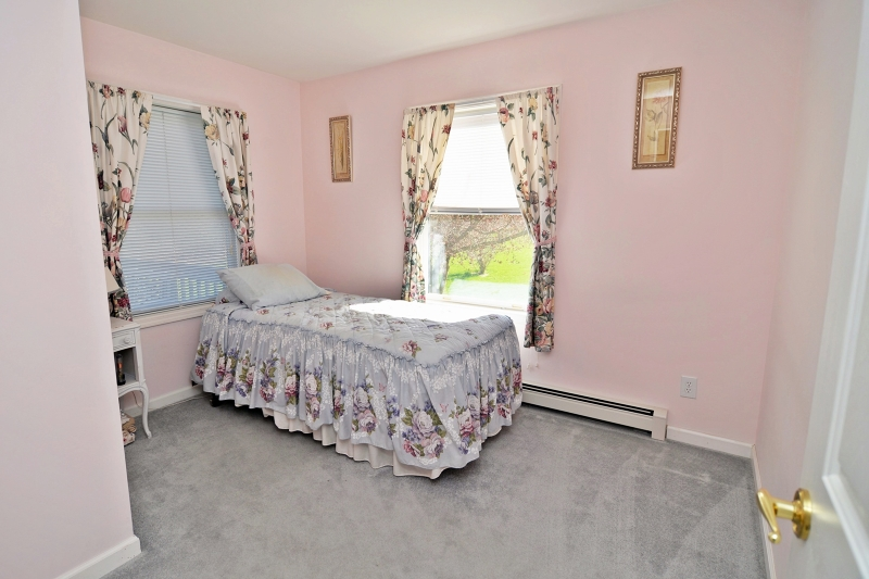 Additional photo for property listing at 24 Jenny Jump Avenue  Great Meadows, Nueva Jersey 07838 Estados Unidos