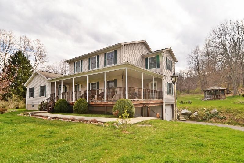 Casa Unifamiliar por un Venta en 24 Jenny Jump Avenue Great Meadows, Nueva Jersey 07838 Estados Unidos
