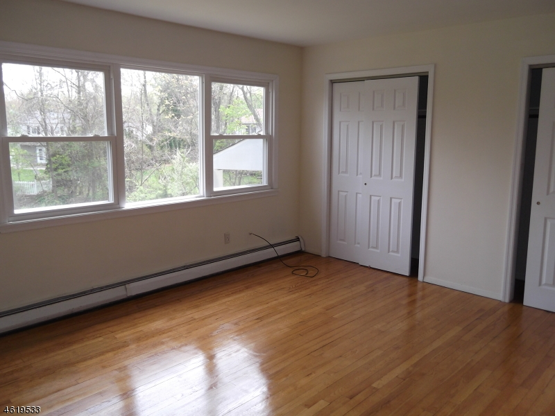 Additional photo for property listing at 914 Ratzer Road  Wayne, Nueva Jersey 07470 Estados Unidos