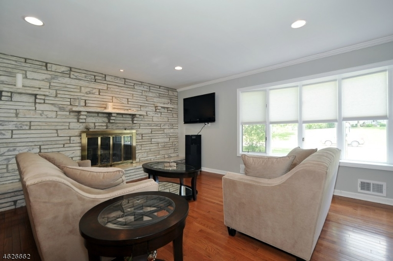 Additional photo for property listing at 4 Knollcroft Ter  East Hanover, Nueva Jersey 07936 Estados Unidos