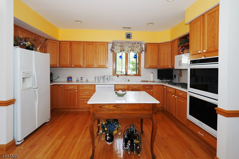 Additional photo for property listing at 6 Troon Drive  Newton, New Jersey 07860 United States