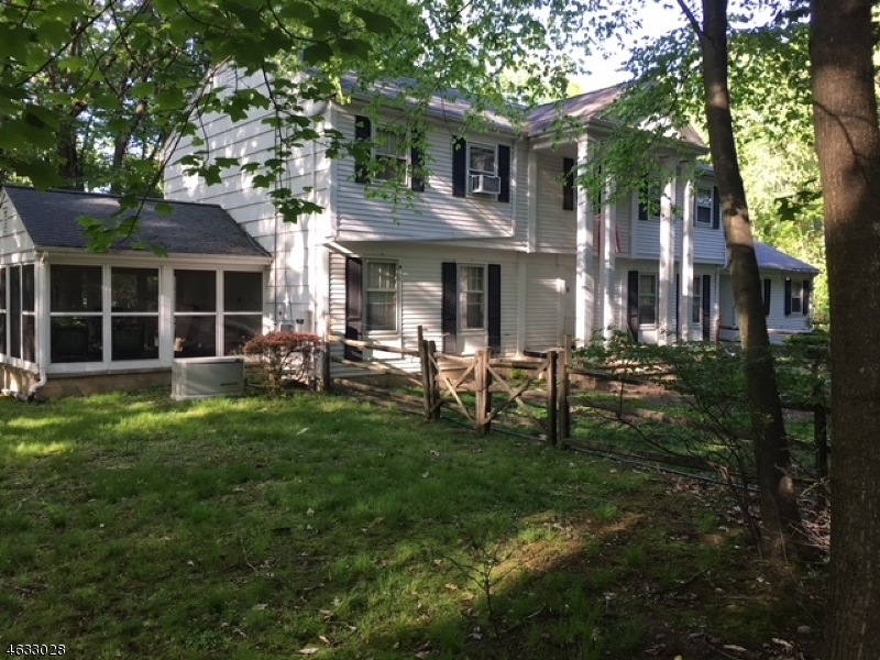 Additional photo for property listing at 1 Elden Drive  Saddle River, Нью-Джерси 07458 Соединенные Штаты