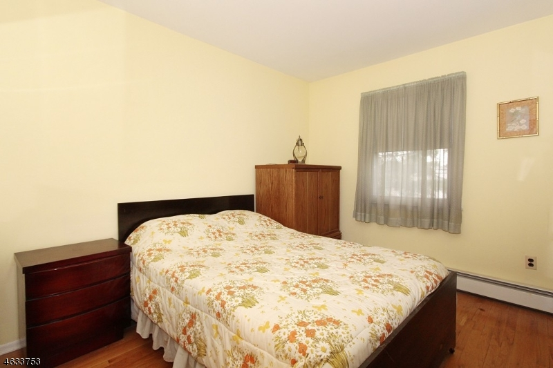 Additional photo for property listing at 634 ELMWOOD TER  Linden, New Jersey 07036 États-Unis