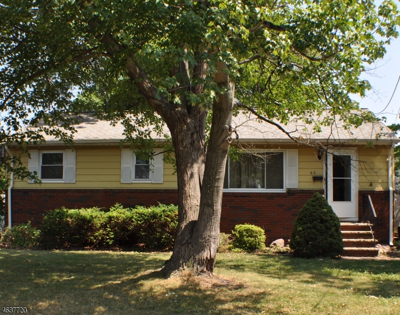 Single Family Home for Sale at 62 Edgewood Ter South Bound Brook, 08880 United States