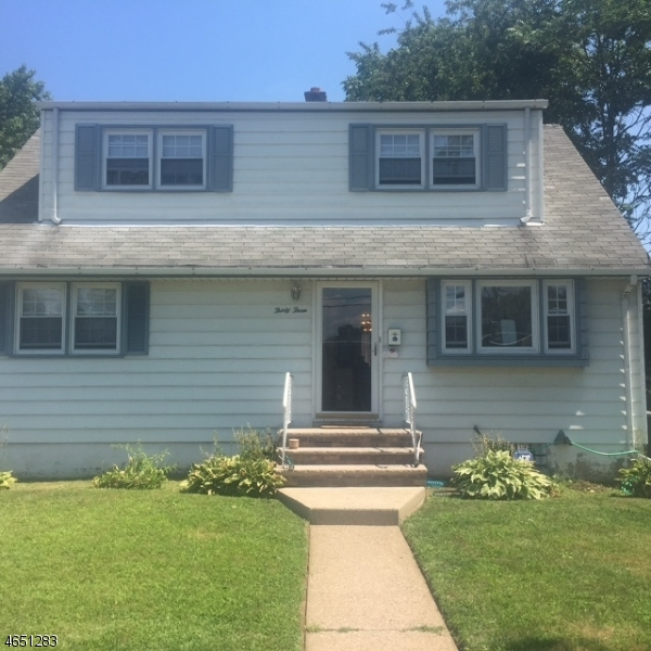 Additional photo for property listing at 33-35 E 35TH Street  Paterson, Нью-Джерси 07514 Соединенные Штаты