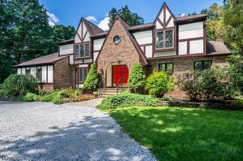 Casa Unifamiliar por un Venta en 11 Arbor Way Long Valley, Nueva Jersey 07853 Estados Unidos