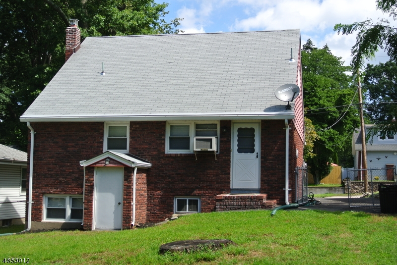Additional photo for property listing at 25 Woodward Avenue  Bloomingdale, Nueva Jersey 07403 Estados Unidos