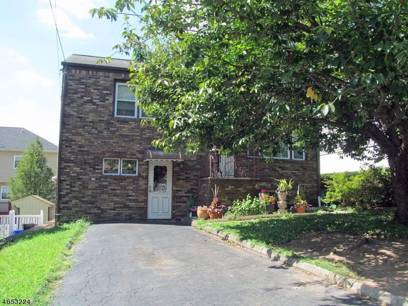 Additional photo for property listing at 135 Margaret Avenue  Nutley, Нью-Джерси 07110 Соединенные Штаты