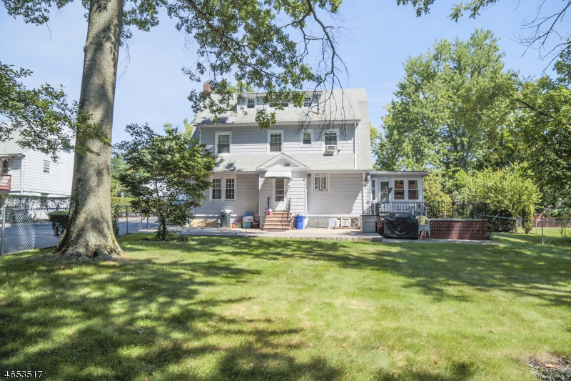 Additional photo for property listing at 174 Mount Pleasant Avenue  West Orange, New Jersey 07052 United States