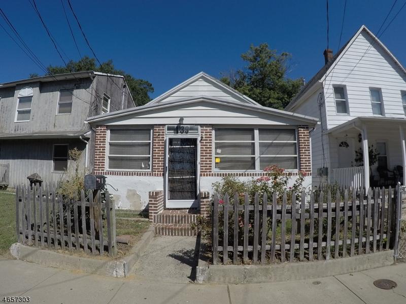 独户住宅 为 销售 在 139 Seeley Avenue 肯斯堡市, 新泽西州 07734 美国
