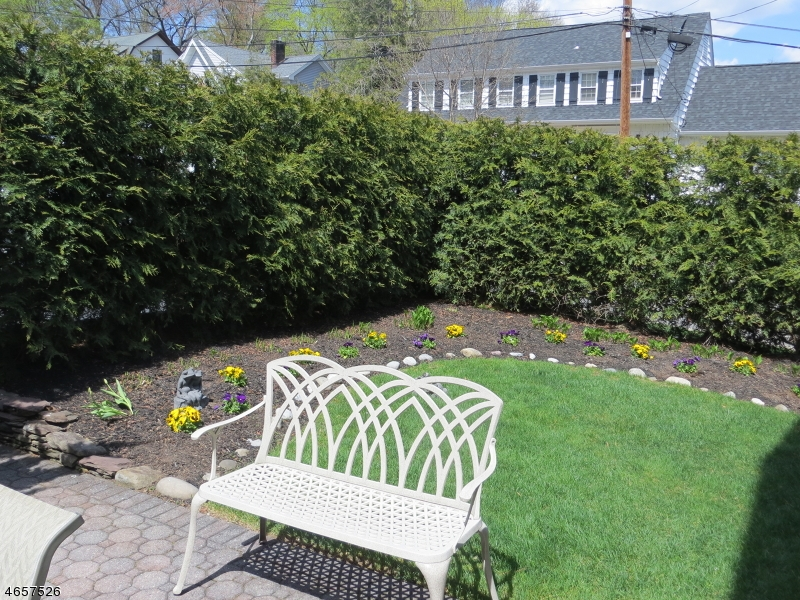 Additional photo for property listing at 63 Grandview Avenue  Glen Rock, New Jersey 07452 United States