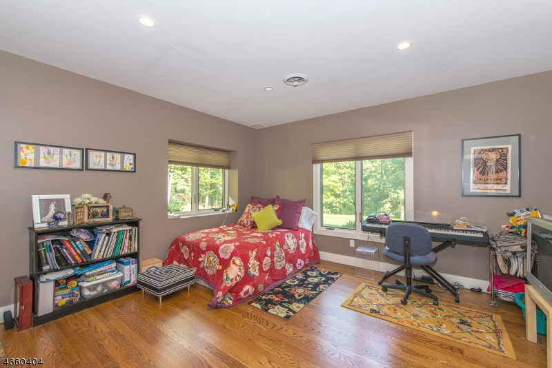 Additional photo for property listing at 20 Hillcrest Road  Boonton, New Jersey 07005 United States