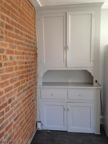 Additional photo for property listing at 39 Davenport Street  Somerville, 新泽西州 08876 美国