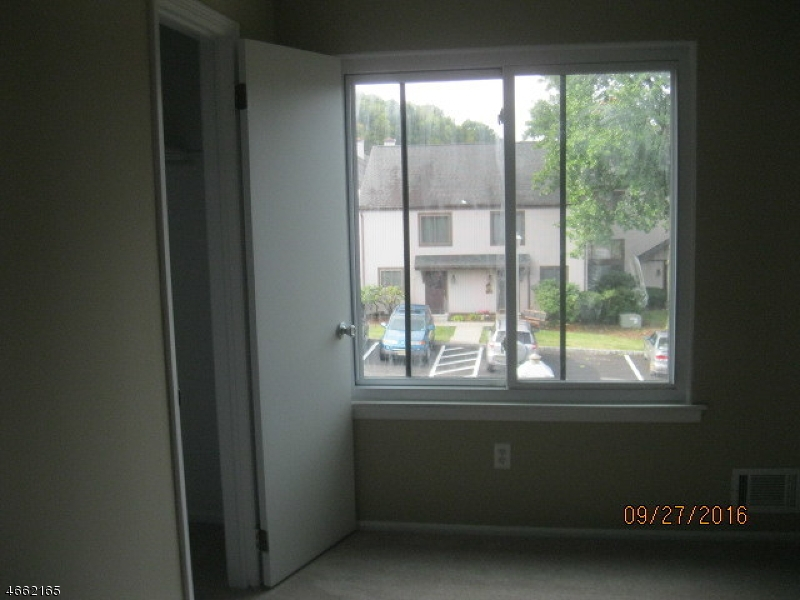 Additional photo for property listing at 19354 Dell Place  Stanhope, New Jersey 07874 États-Unis