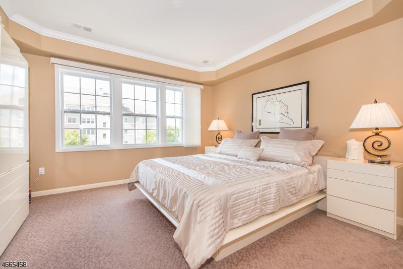 Additional photo for property listing at 10202 WARRENS WAY  Wanaque, Нью-Джерси 07465 Соединенные Штаты