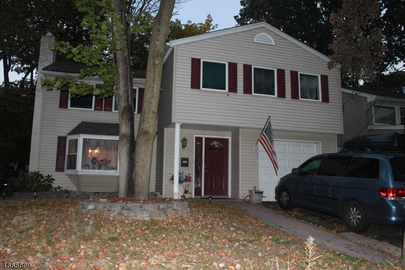 Single Family Home for Sale at 111 E Prospect Street Waldwick, 07463 United States