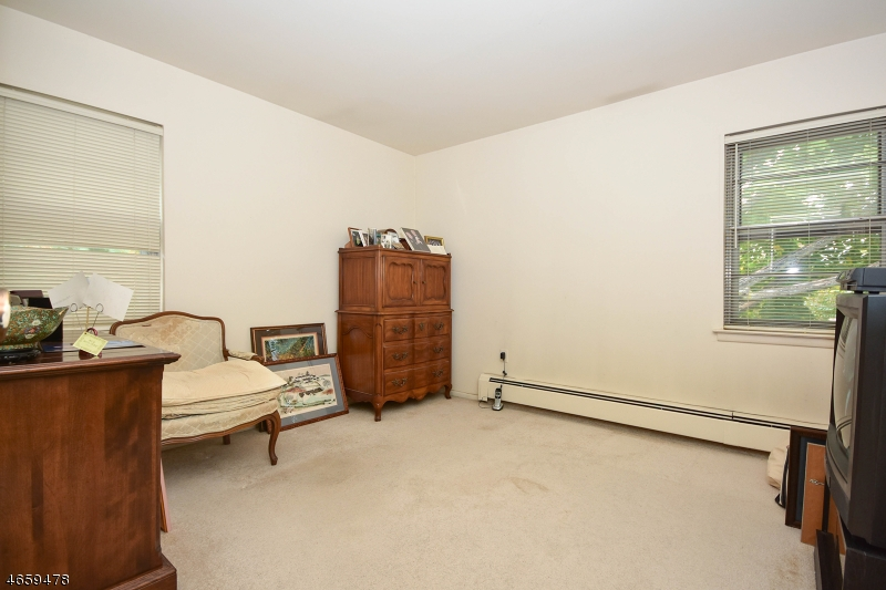 Additional photo for property listing at 67-12-2A KNOX TER  Wayne, New Jersey 07470 United States