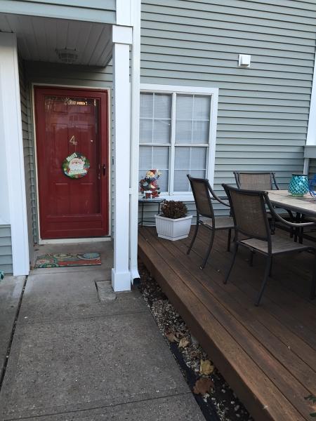 Частный односемейный дом для того Аренда на 332 GREENBRIAR-4 Union, Нью-Джерси 07083 Соединенные Штаты