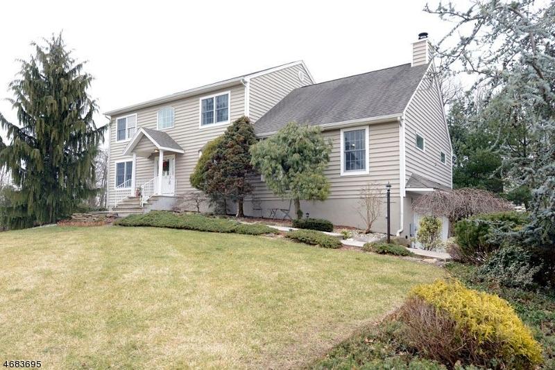 Частный односемейный дом для того Продажа на 12 Ryan Lane Pompton Plains, Нью-Джерси 07444 Соединенные Штаты