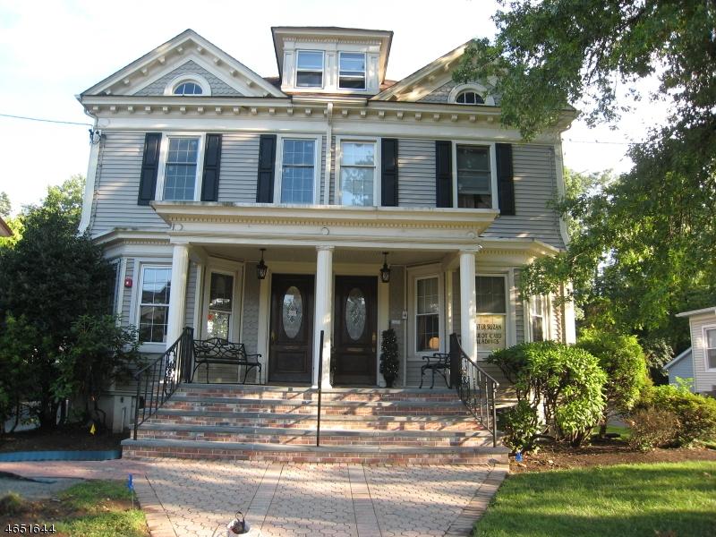 Maison unifamiliale pour l à louer à 115 North Ave W Cranford, New Jersey 07016 États-Unis