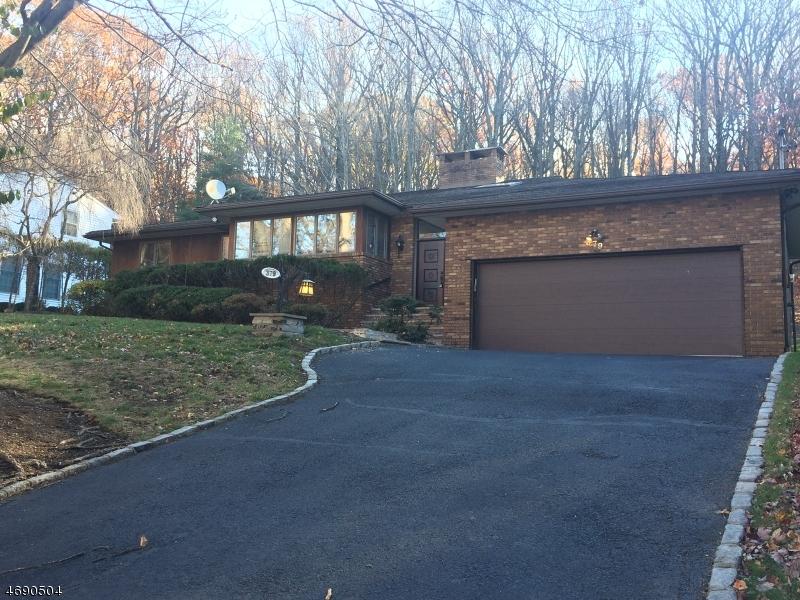 Maison unifamiliale pour l Vente à 379 Cumberland Street Englewood, New Jersey 07631 États-Unis