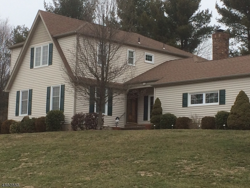 Single Family Home for Sale at 580 HERITAGE Road Millington, New Jersey 07946 United States
