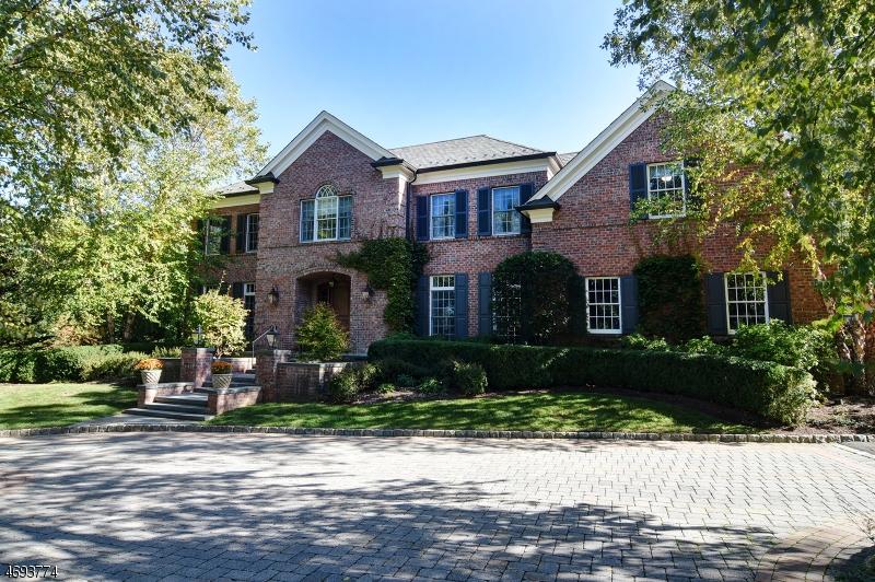 Частный односемейный дом для того Продажа на 275 Hartshorn Drive Millburn, 07078 Соединенные Штаты