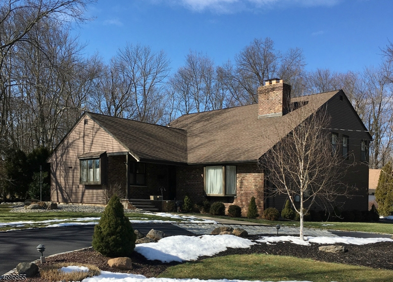 Single Family Home for Sale at 29 Porter Place New Providence, New Jersey 07974 United States