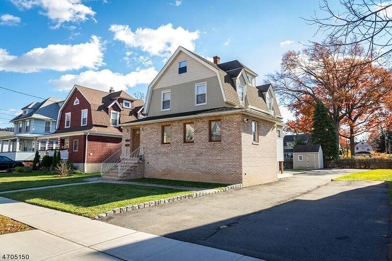 Частный односемейный дом для того Аренда на 40 E Grant Avenue Roselle Park, Нью-Джерси 07204 Соединенные Штаты