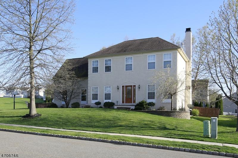Частный односемейный дом для того Продажа на 926 Tyler Circle Greenwich, Нью-Джерси 08886 Соединенные Штаты