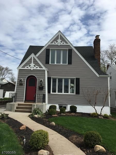 Maison unifamiliale pour l Vente à 477 Innes Road Wood Ridge, New Jersey 07075 États-Unis
