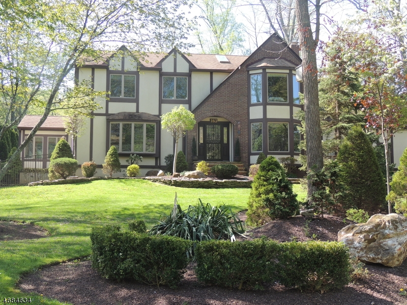 Single Family Home for Sale at 163 Sherwood Lane Stirling, New Jersey 07980 United States