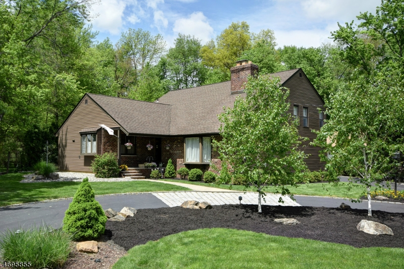 Частный односемейный дом для того Продажа на 29 Porter Place New Providence, Нью-Джерси 07974 Соединенные Штаты