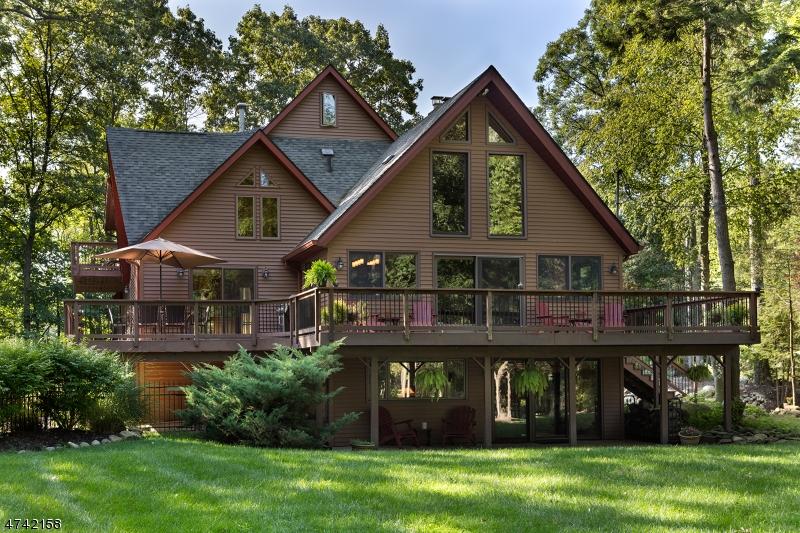 Villa per Vendita alle ore 33 GORDON Road 33 GORDON Road Roxbury Township, New Jersey 07885 Stati Uniti