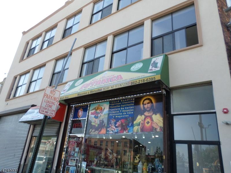 Maison unifamiliale pour l à louer à 791 Main Avenue Passaic, New Jersey 07055 États-Unis
