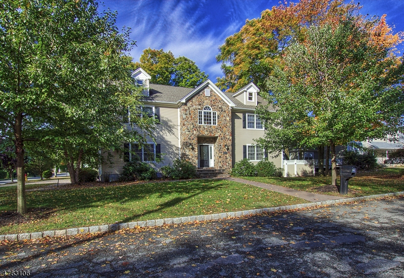Casa Unifamiliar por un Alquiler en 108 William Street Parsippany, Nueva Jersey 07950 Estados Unidos