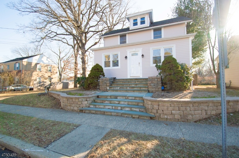 Single Family Home for Sale at 35 Edgewood Ter South Bound Brook, New Jersey 08880 United States