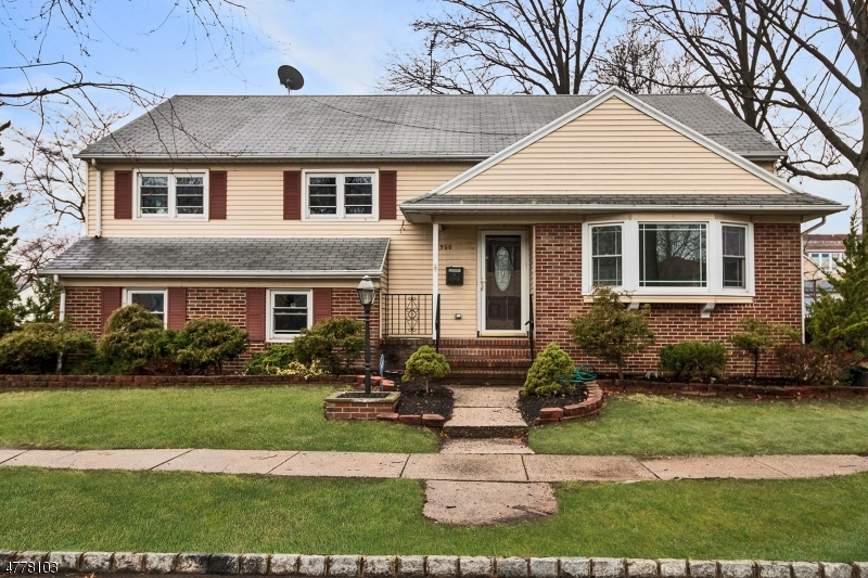 Single Family Home for Sale at 500 Willow Avenue Roselle Park, New Jersey 07204 United States