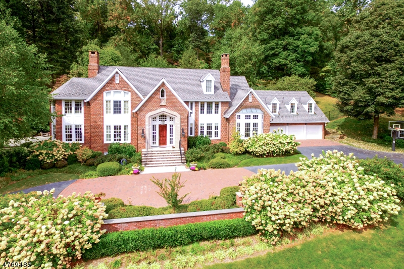 Single Family Home for Sale at 211 Campbell Road Bernardsville, New Jersey 07931 United States