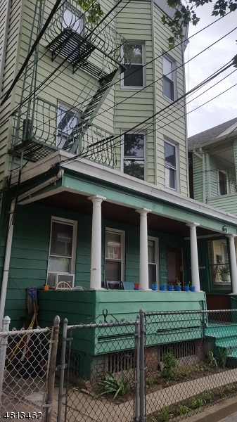 Commercial for Sale at 19 QUINCY Street Passaic, New Jersey 07055 United States