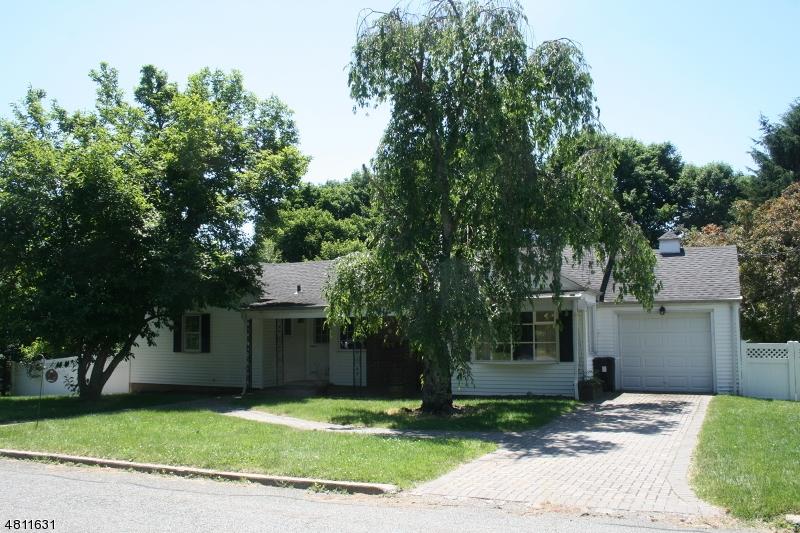 Casa Unifamiliar por un Venta en 5 Tainter Street Peapack Gladstone, Nueva Jersey 07934 Estados Unidos
