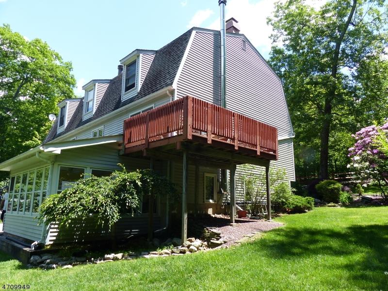 Nhà ở một gia đình vì Thuê tại 52 POSSAGHI Road Hampton, New Jersey 07860 Hoa Kỳ