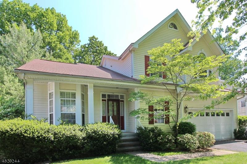Enfamiljshus för Hyra vid 57 HUNTINGTON Road Bernards Township, New Jersey 07920 Usa