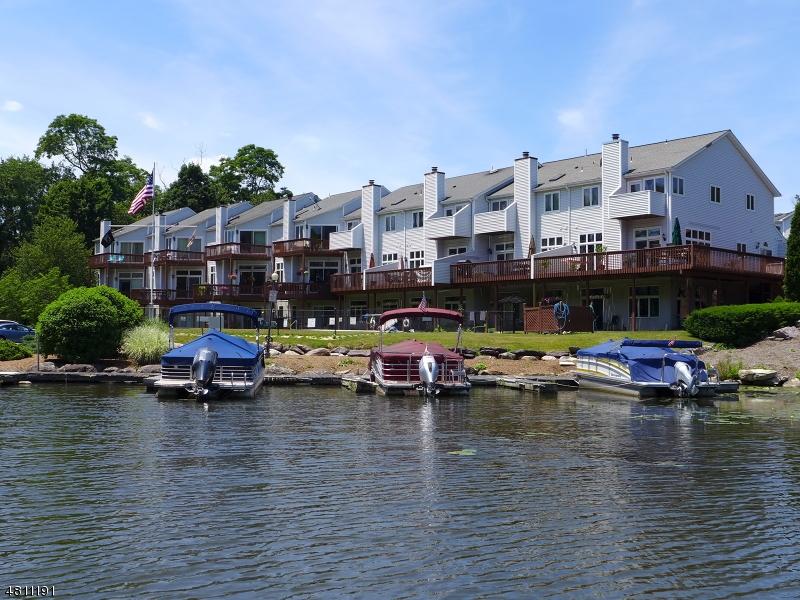 公寓 / 联排别墅 为 销售 在 7 ST CHARLES Avenue 西米尔福德, 新泽西州 07421 美国