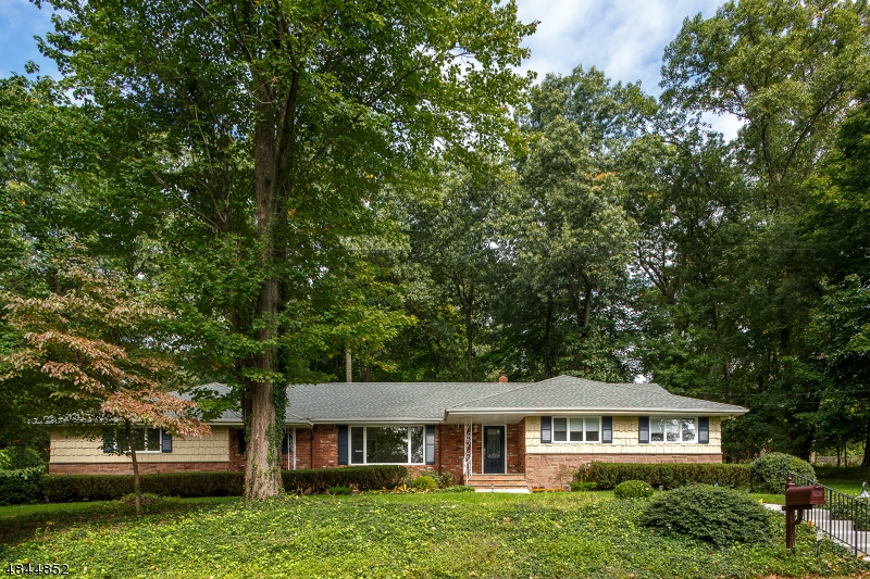Single Family Home for Sale at 20 DORCHESTER RD 20 DORCHESTER RD Woodcliff Lake, New Jersey 07677 United States