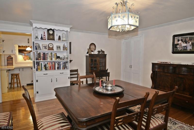Additional photo for property listing at 312 WILLOW GROVE Street  Hackettstown, Νιου Τζερσεϋ 07840 Ηνωμένες Πολιτείες