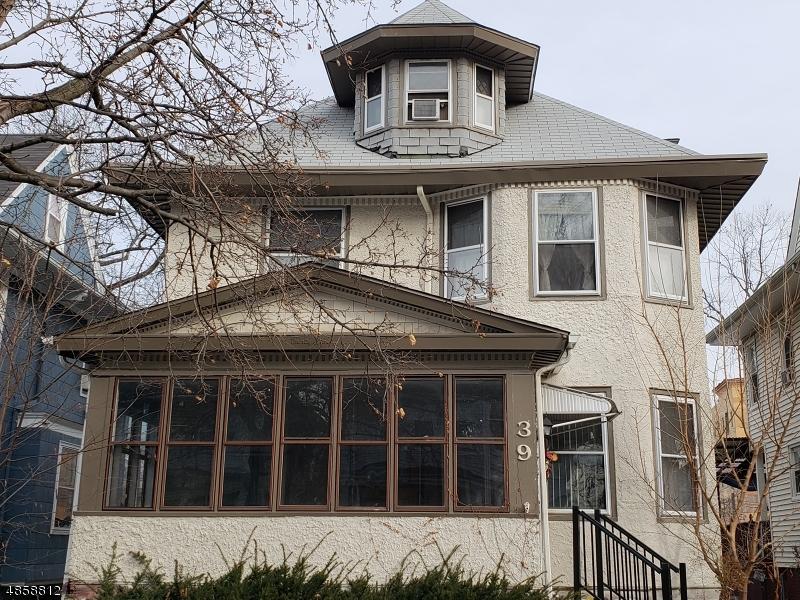 Maison unifamiliale pour l Vente à 39 HAMPTON TER Orange, New Jersey 07050 États-Unis