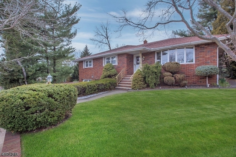 Single Family Home for Sale at 4 PETERSON Road Totowa, New Jersey 07512 United States