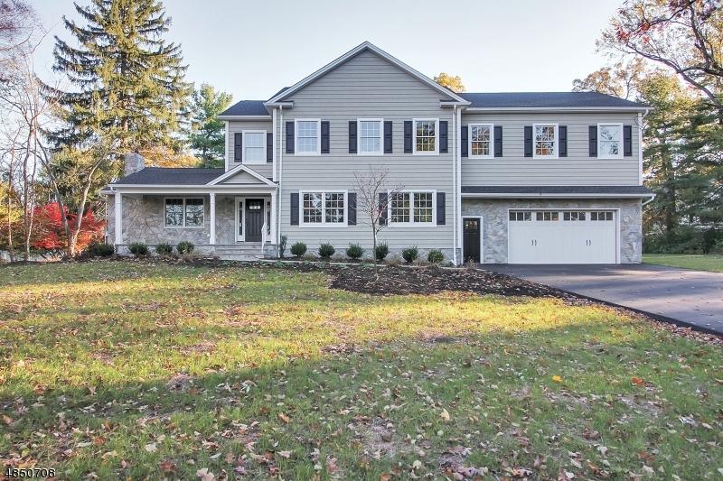 Частный односемейный дом для того Продажа на 109 CROSS HILL Road Long Hill, Нью-Джерси 07946 Соединенные Штаты