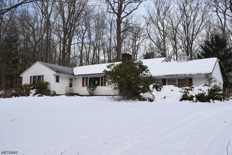 Single Family Home for Sale at 387 CAMPGAW RD 387 CAMPGAW RD Mahwah, New Jersey 07430 United States